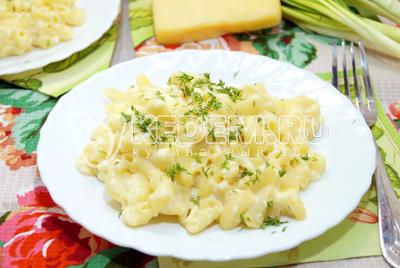 Макароны в сырном соусе