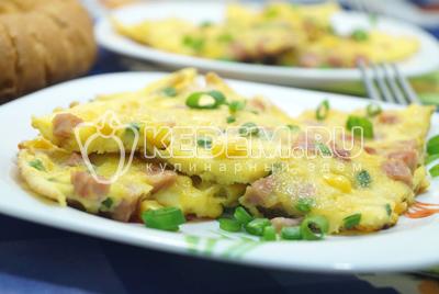 Омлет с колбасой и кукурузой «Бонди»