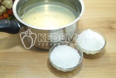 Добавить сахар и соль  из расчета на 1 литр воды - 2 ст. ложки соли,3 ст. ложки сахара.