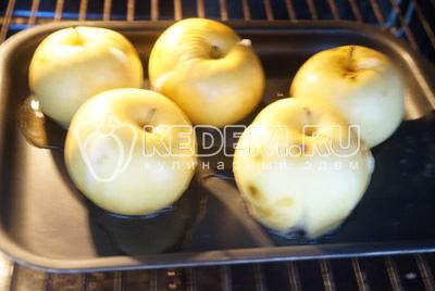 Поставить в духовку на 20-25 минут, при температуре 160 градусов С.