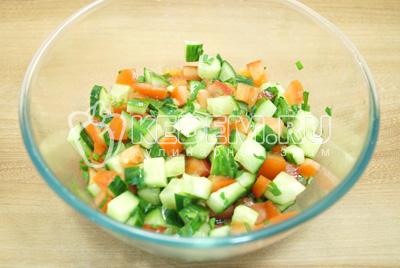 Салат с сыром сухариками и фасолью рецепт