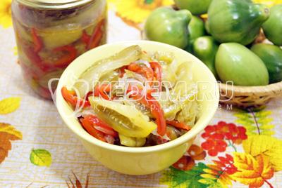 Салат из зелёных помидор на зиму «Золотая осень»