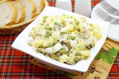 Салат с маринованными шампиньонами