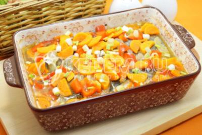 Горбуша с овощами в духовке