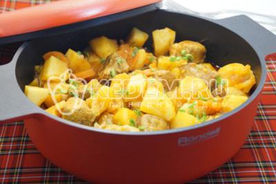 Картофель тушёный с мясом