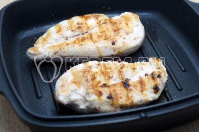 Куриное филе на сковороде гриль