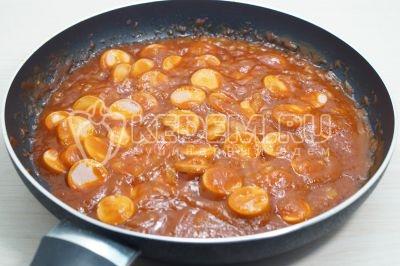 Макароны с сосисками в томатном соусе