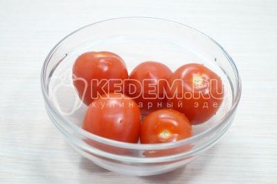 Салат из помидоров с луком и маслом