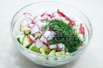 Салат из редиса с огурцом