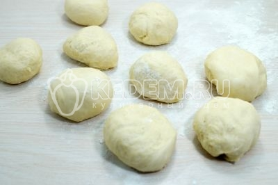 Пирожки с горохом в духовке