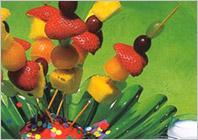 Фруктовые шашлычки для детей – кулинарный рецепт приготовления шашлычков для детей, детская кулинария