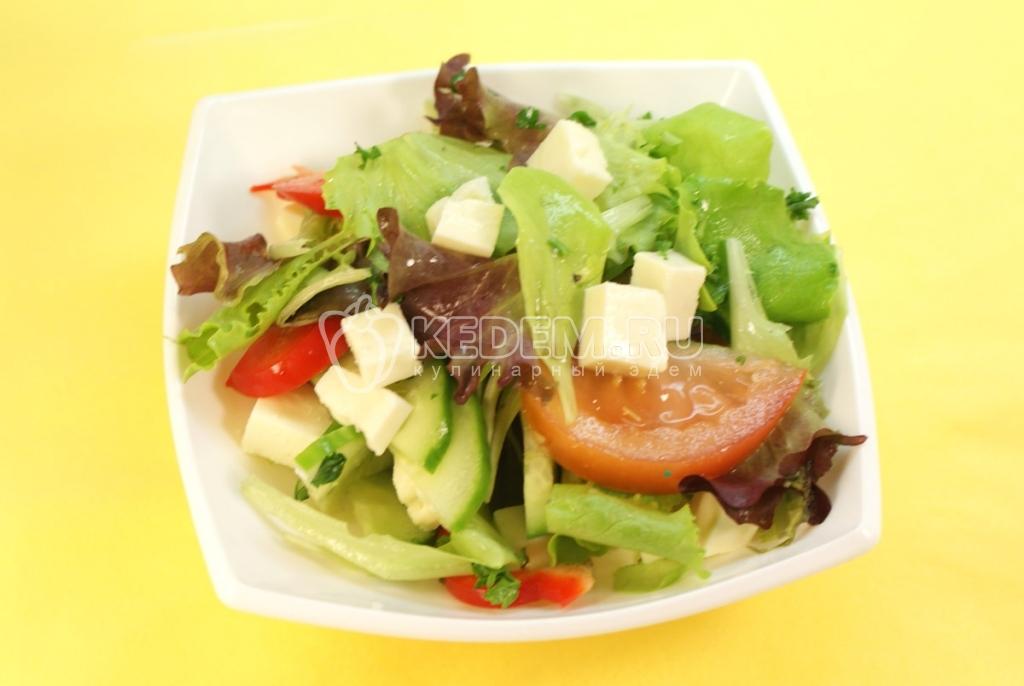 Овощной салат с адыгейским сыром - фотография рецепта Рецепты с фото на KEDEM.RU.
