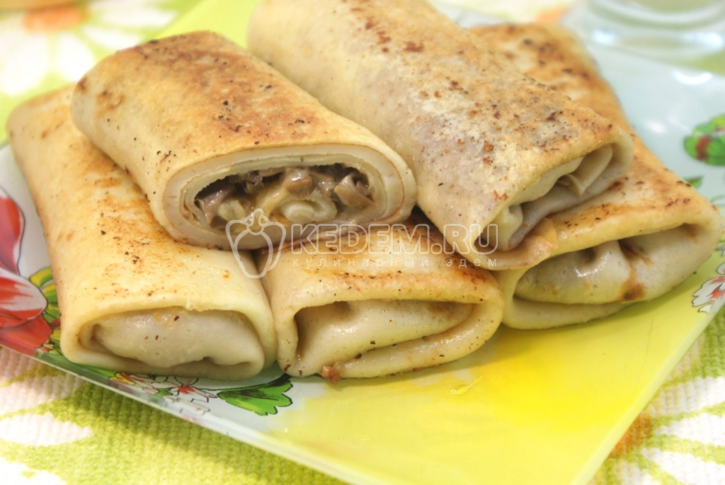 Фаршированные блины с грибами и сыром. Пошаговый кулинарный рецепт с фотографиями  приготовление фаршированных блинов с грибами и сыром.