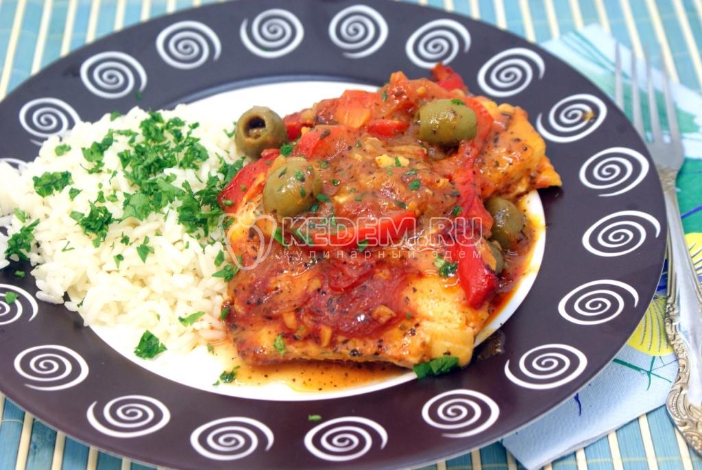 Треска с оливками, болгарским перцем и томатами. Пошаговый кулинарный рецепт с фотографиями приготовление трески с оливками, болгарским перцем и  томатами.