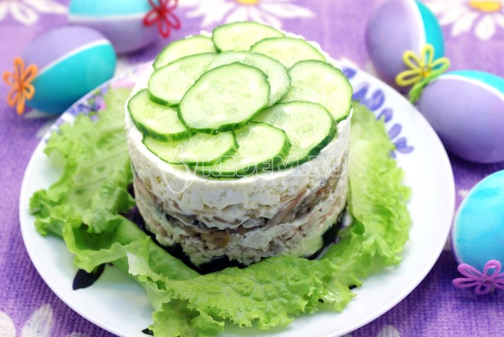 рецепт салата курица с грибами с черносливом слоями с фото