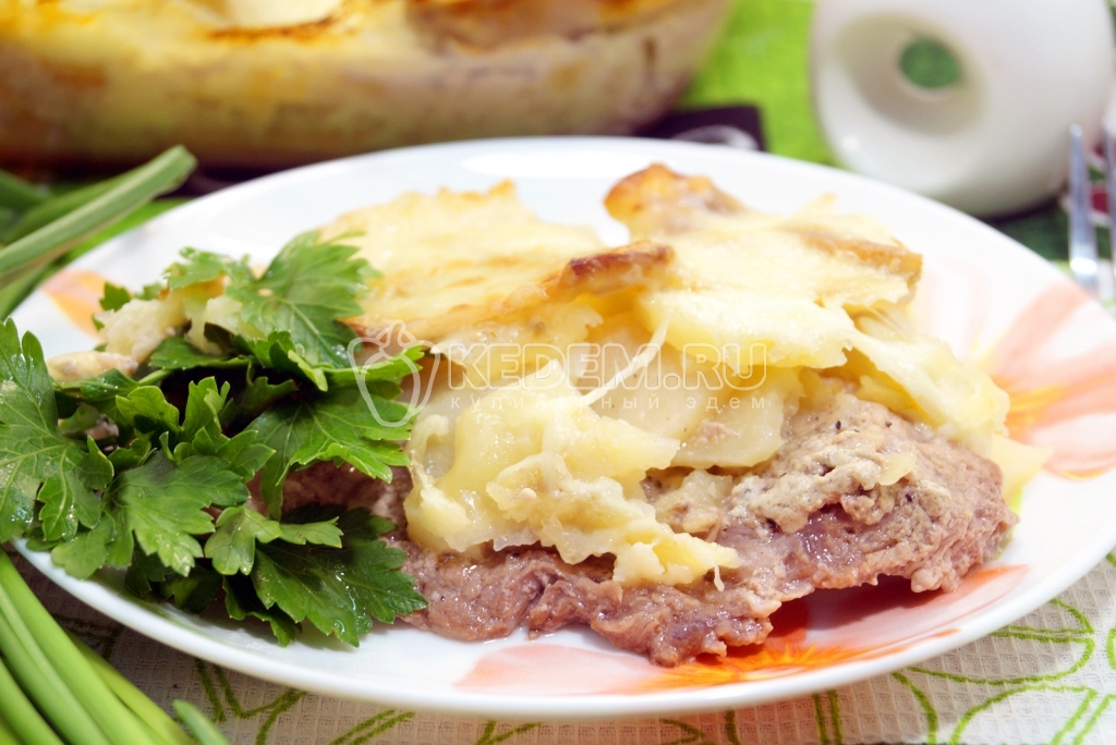 Картофель с мясом в духовке слоями рецепт с фото