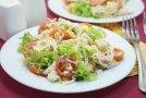 Салат с сухариками и курицей «Брио»