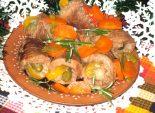 Свиные трубочки с огурчиком - Кулинарный рецепт приготовления вкусного мясного блюда для новогоднего стола — свиных трубочек с огурчиком. Пошаговый фото рецепт.