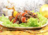 Кулинарный рецепт приготовления мясных шашлычков с овощами и грибами в духовом шкафу.