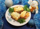 Праздничные эскалопы под пармезаном. Кулинарный рецепт приготовления праздничных эскалопов с помидорами, шампиньонами и сыром.