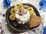 Салат «Морской». Кулинарный рецепт приготовления салата из морской капусты, яйца и осьминога.