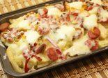 Картофель & сосиски. Кулинарный фото рецепт приготовления картофеля и сосисок с болгарским перцем в духовом шкафу. Фото рецепта