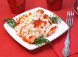 Салат с креветками «Сокровища Посейдона». Пошаговый кулинарный рецепт с фотографиями приготовление салата с креветками, кальмарами и красной икрой. Фото рецепта