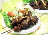 Шашлычки с салатом. Пошаговый кулинарный рецепт с фотографиями приготовление шашлычков в духовке с овощным салатом. Фото рецепта