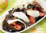 Салат с помидорами и сыром. Пошаговый кулинарный рецепт с фотографиями приготовление салата с помидорами и сыром. Фото рецепта