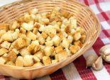 Сухарики «Аппетитные». Пошаговый кулинарный рецепт с фотографиями приготовление вкусных сухариков с чесноком и маслом. Фото рецепта