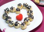 Профитроли с кремом «Поцелуй». Пошаговый кулинарный рецепт с фото приготовление профитролей с кремом из сыра маскарпоне. Фото рецепта