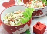 Салат «Любимый». Пошаговый кулинарный рецепт с фото приготовление салата с крабовым мясом и помидорами. Фото рецепта