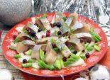 Маринованная селёдка. Пошаговый кулинарный рецепт с фотографиями приготовления маринованной сельди на новогодний стол.