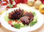 Мясо на новогодний стол. Пошаговый кулинарный рецепт с фото приготовление говядины с луком и корейкой в духовке на новогодний стол.