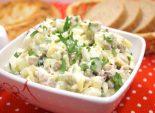 Салат с курицей и зеленым горошком