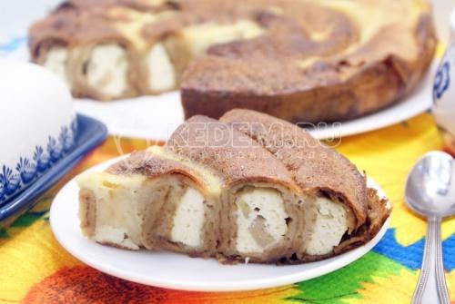Блинная «Улитка» с творогом и бананом - рецепт