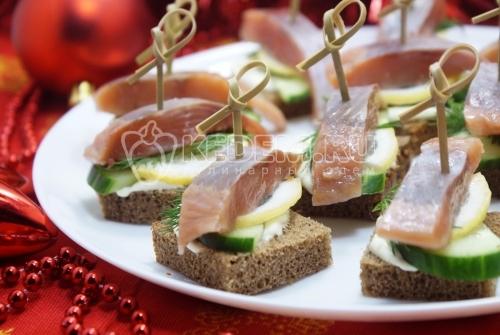 Бутерброды с красной рыбой на праздничный стол