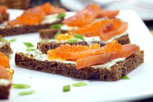 Бутерброды с красной рыбой  - рецепт