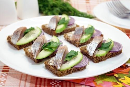 Бутерброды с сельдью  - рецепт