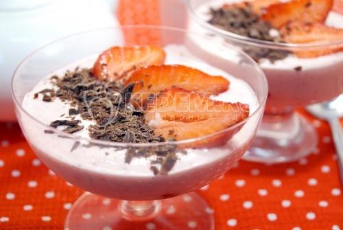 Десерт с клубникой Фреса