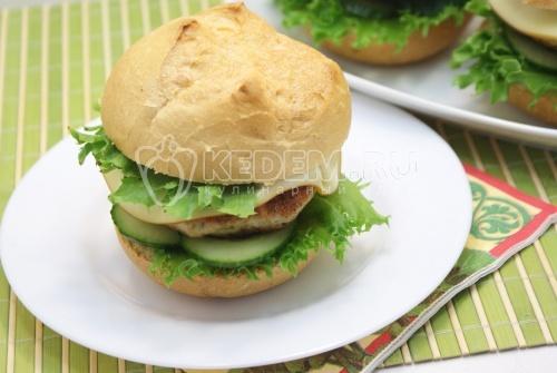 Домашние гамбургеры с куриной котлетой
