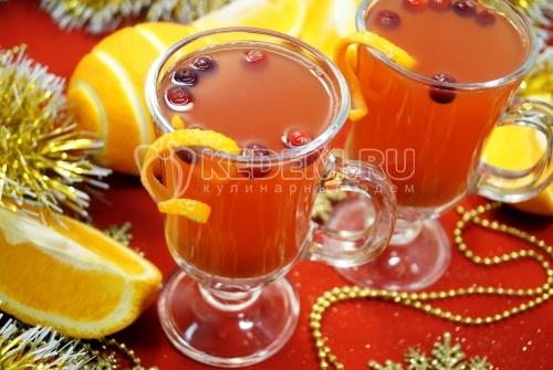 Глинтвейн из белого вина с апельсином и клюквой - рецепт