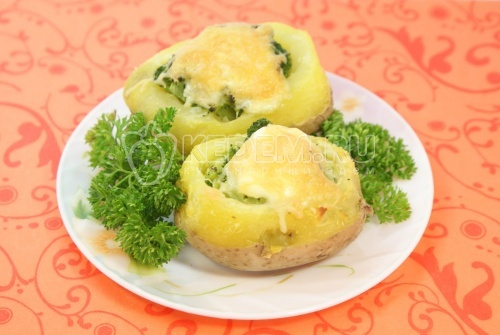 Картофель фаршированный брокколи - рецепт
