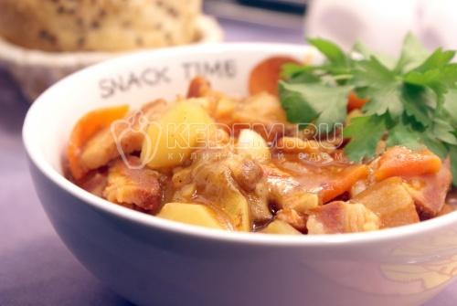 Картофель с белыми грибами и корейкой в мультиварке