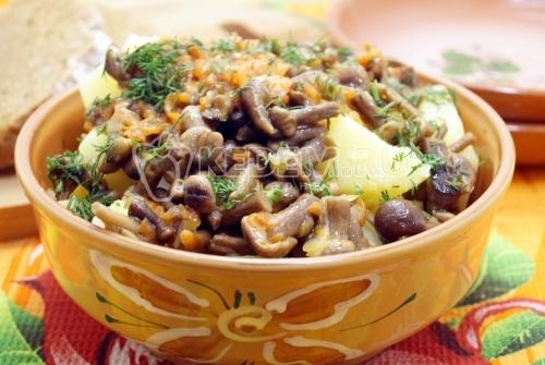Картофель с грибами на сковороде - рецепт