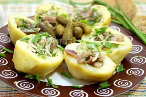 Картофель с селёдкой