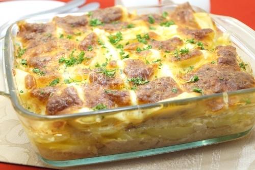 Картофельная запеканка с куриным фаршем в духовке