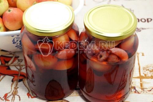 Компот из яблок и черной смородины - рецепт