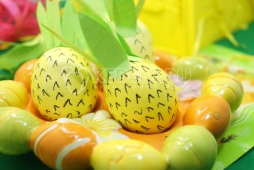 Крашеные яйца Ананасы