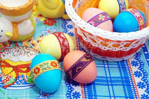 Крашеные яйца Тесёмочки